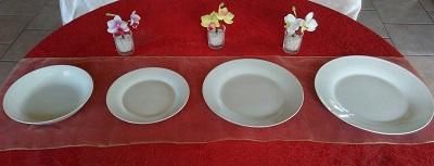 Assiette creuse et ronde de 19 cm en porcelaine blanche, qui sert également de coupelle Assiette à dessert plate et ronde 19cm en porcelaine blanche Assiette plate et ronde de 24 cm / 23 cm en porcelaine blanche Assiette plate et ronde de 26 cm en porcelaine blanche uniquement dans certaines formules